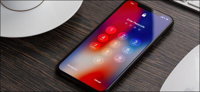 The lock screen on an iPhone X.